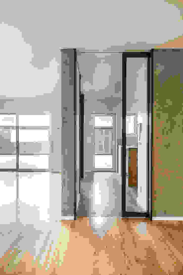 Cozinha - T3 em Leça da Palmeira - SHI Studio Interior Design ShiStudio Interior Design Cozinhas embutidas