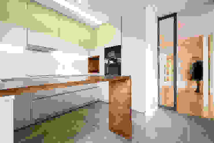 Cozinha - T3 em Leça da Palmeira - SHI Studio Interior Design ShiStudio Interior Design Armários de cozinha