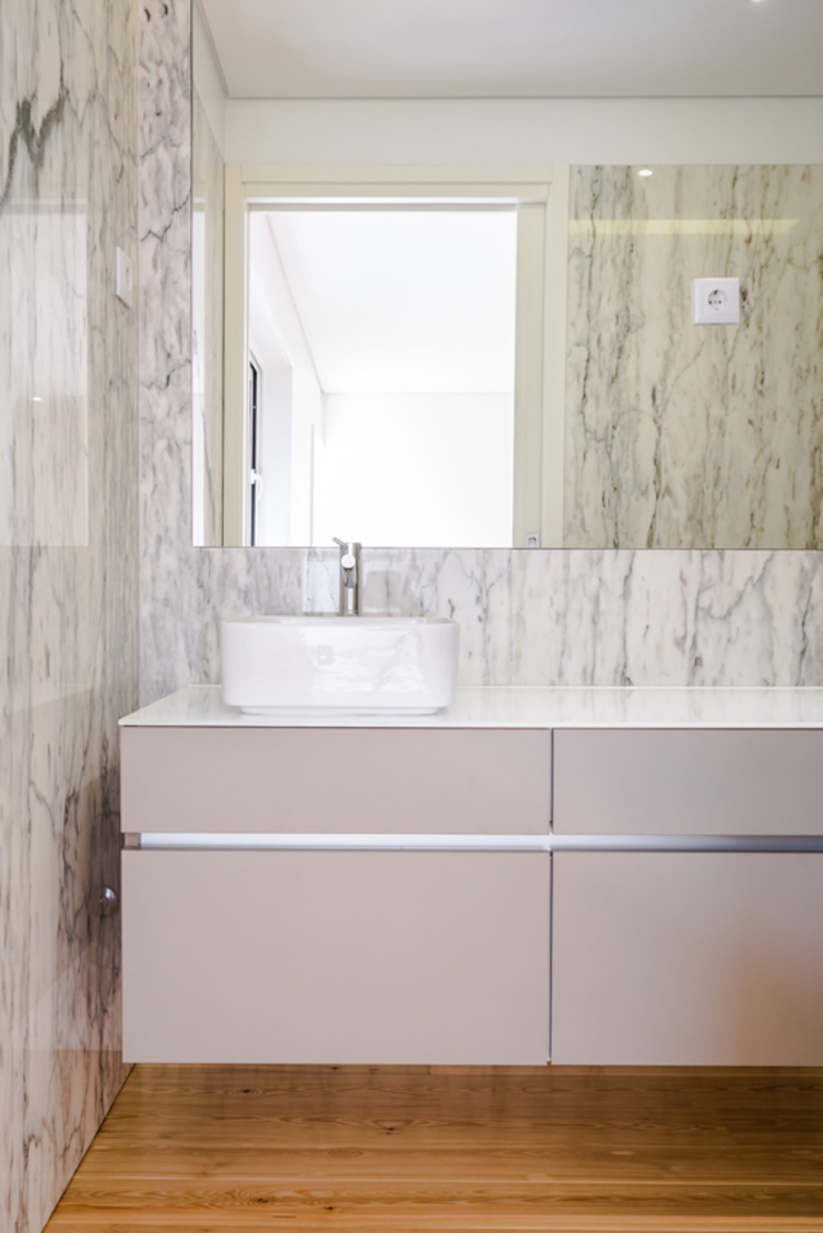Casa de banho - T3 em Leça da Palmeira - SHI Studio Interior Design ShiStudio Interior Design Casas de banho modernas