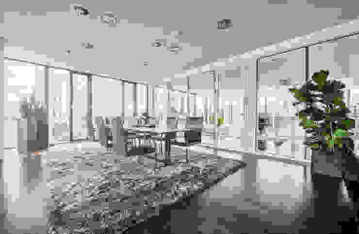 Meetingraum :  Bürogebäude von Kaldma Interiors - Interior Design aus Karlsruhe,Modern