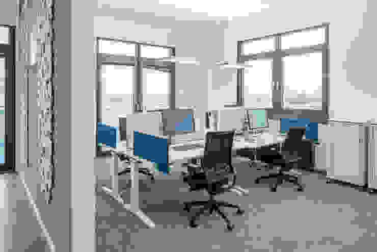 Open Space Arbeitsplätze Moderne Bürogebäude von Kaldma Interiors - Interior Design aus Karlsruhe Modern