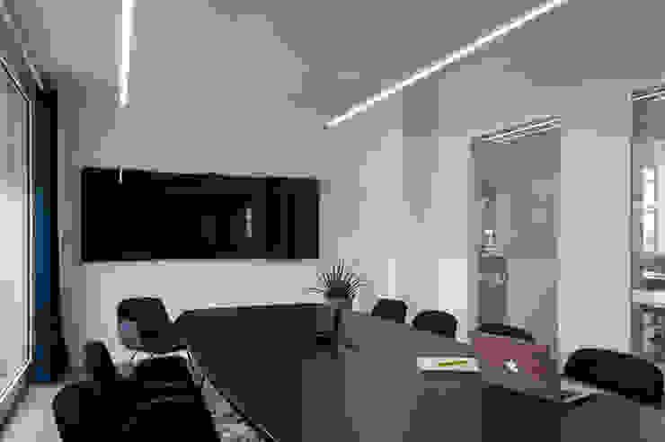 Was zählt in Meetingräumen? Ausgefallene Bürogebäude von Kaldma Interiors - Interior Design aus Karlsruhe Ausgefallen