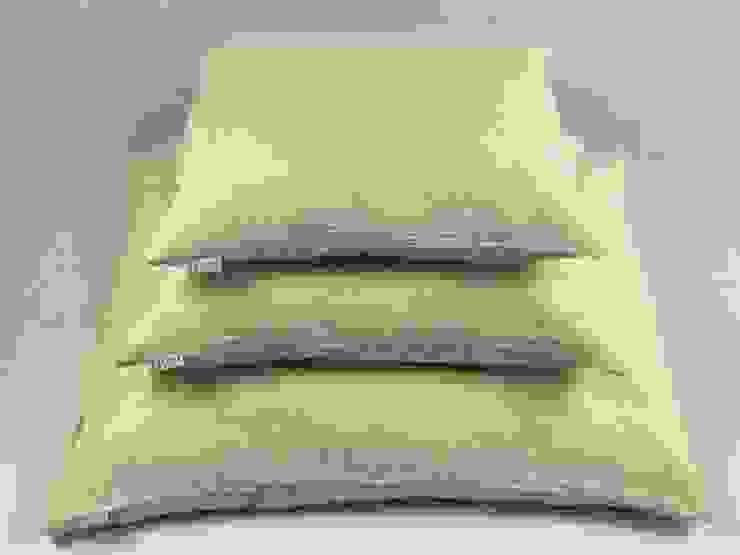Lniana poszewka na poduszkę Beige: styl , w kategorii Sypialnia zaprojektowany przez NatureBed