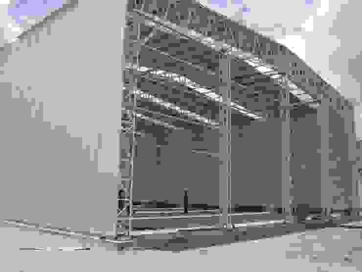 من Luis Barberis Arquitectos صناعي