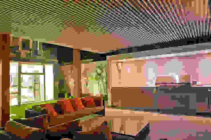 Proyecto Residencial Balcones y terrazas modernos de TRAZZO ILUMINACIÓN Moderno