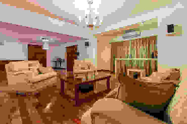 Minimalist living room by Luis Barberis Arquitectos Minimalist