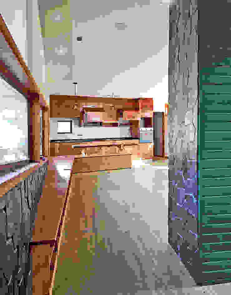 Living - Comedor - Cocina Livings de estilo rústico de Intermedio Arquitectos Rústico