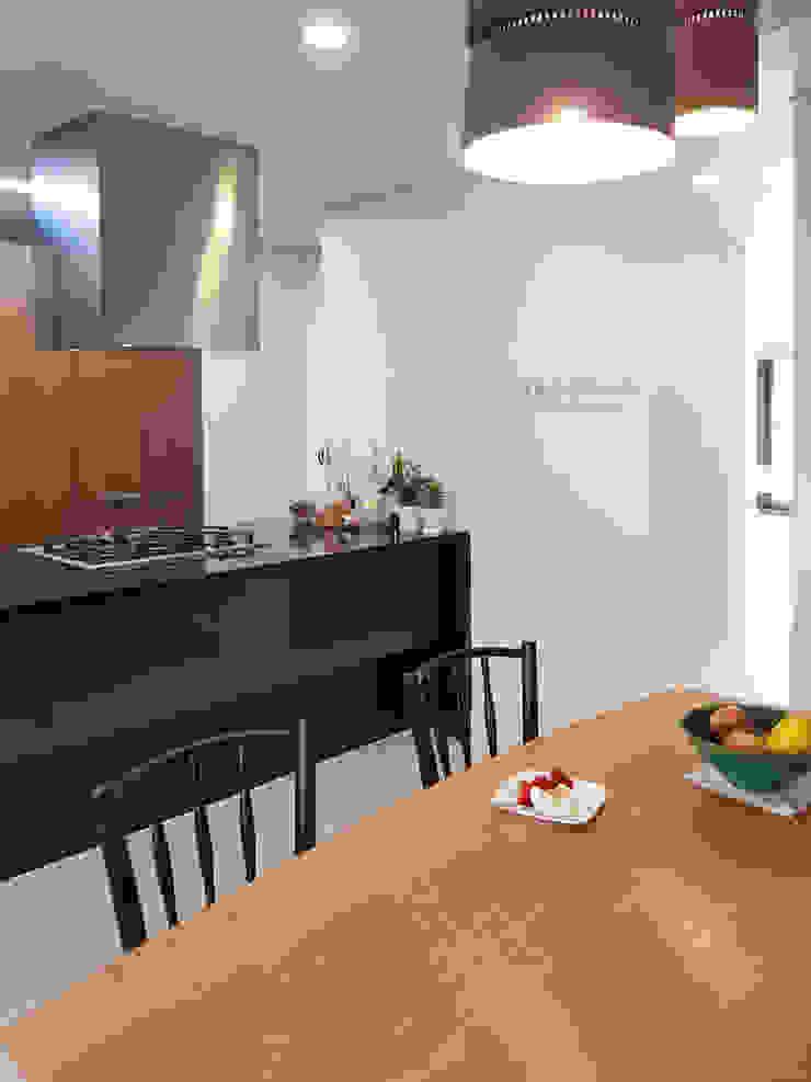 블랑브러쉬 Ruang Makan Modern