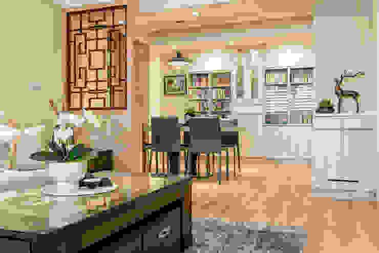 自然質樸-翊盛新天地 富亞室內裝修設計工程有限公司 客廳 複合木地板 Brown
