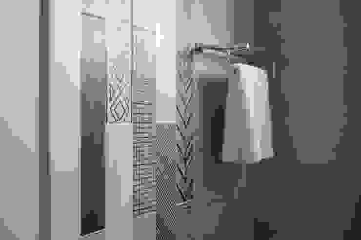 自然質樸-翊盛新天地 富亞室內裝修設計工程有限公司 現代浴室設計點子、靈感&圖片 磁磚 Grey