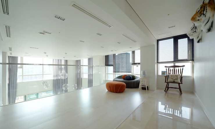 복층 펜트하우스 인테리어 모던스타일 거실 by 디자인 아버 모던