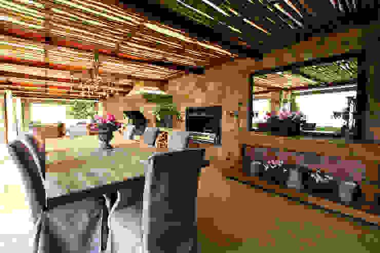 Country style balcony, veranda & terrace by JSD Interiors Country