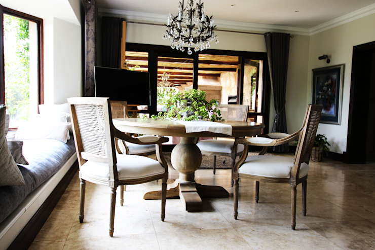 Colonial style dining room by JSD Interiors Colonial