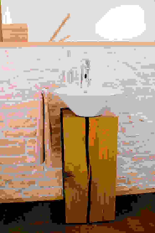 T-raumKONZEPT - Interior Design im Raum Nürnberg BathroomSinks Wood