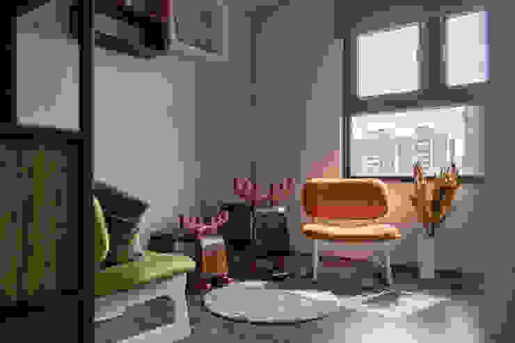 自我的個性表答不受約束的心靈-公園1號 富亞室內裝修設計工程有限公司 地板 複合木地板 Grey