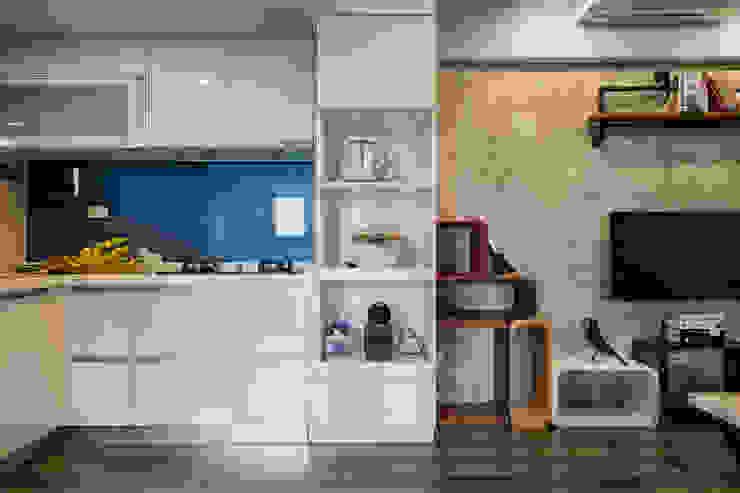 自我的個性表答不受約束的心靈-公園1號 富亞室內裝修設計工程有限公司 系統廚具 玻璃 Blue
