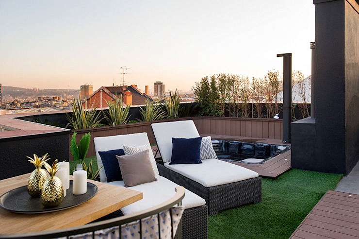 Classic style balcony, veranda & terrace by Egue y Seta Classic