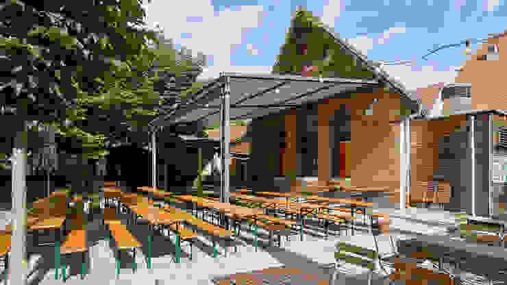 Biergarten-Markise Moderner Balkon, Veranda & Terrasse von Markisen Zanker im Raum Stuttgart Modern