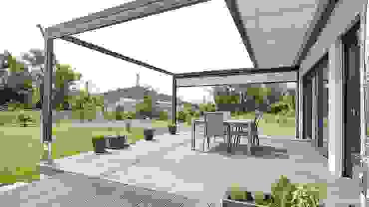 Modern balcony, veranda & terrace by Markisen Zanker im Raum Stuttgart Modern