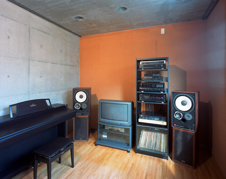 2つ棟の家 モダンデザインの 書斎 の 西島正樹/プライム一級建築士事務所 モダン