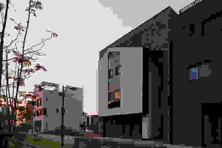 407 CREW 모던스타일 주택 by J2o Design 제이투오 모던