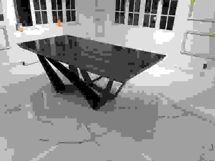 UP-A mobiliario por Jorge Torres y Mariana Verdiguel ComedorMesas
