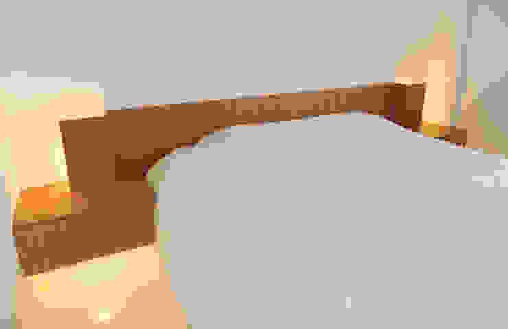 Reforma de piso para una familia de músicos MG arquitectos Dormitorios de estilo moderno Madera