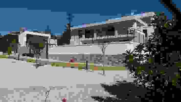 Estudio1403, COOP.V. Arquitectos en Valencia Casa unifamiliare Bianco