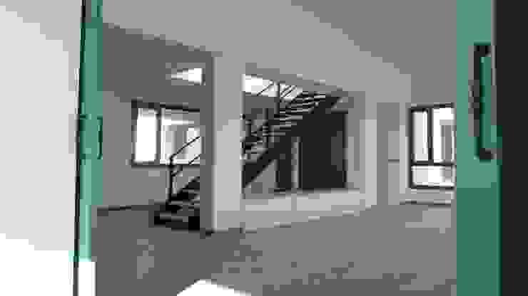 Estudio1403, COOP.V. Arquitectos en Valencia Scale Bianco