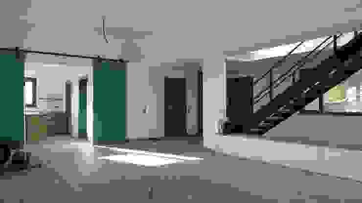 Estudio1403, COOP.V. Arquitectos en Valencia Soggiorno moderno Bianco