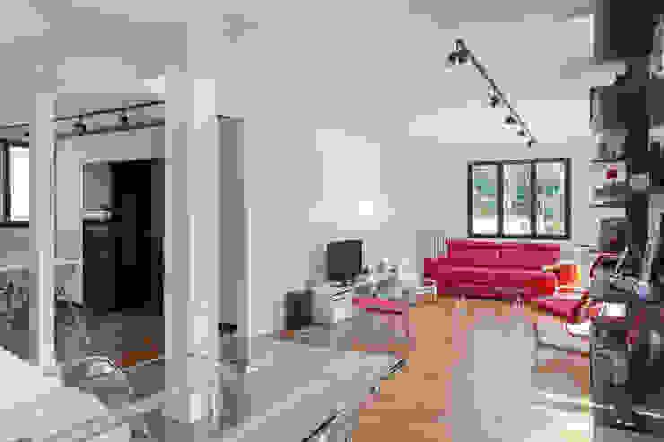 Ruang Makan Modern Oleh Fables de murs Modern Kaca
