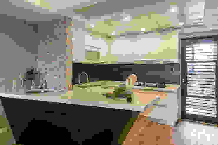 懷舊復古風-看見不一樣的風格與靈魂-全坤峰華 根據 富亞室內裝修設計工程有限公司 隨意取材風 金屬