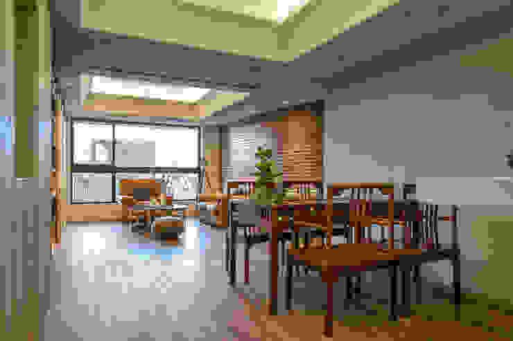 懷舊復古風-看見不一樣的風格與靈魂-全坤峰華 根據 富亞室內裝修設計工程有限公司 隨意取材風 複合木地板 Transparent