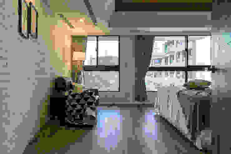 懷舊復古風-看見不一樣的風格與靈魂-全坤峰華 根據 富亞室內裝修設計工程有限公司 北歐風 複合木地板 Transparent