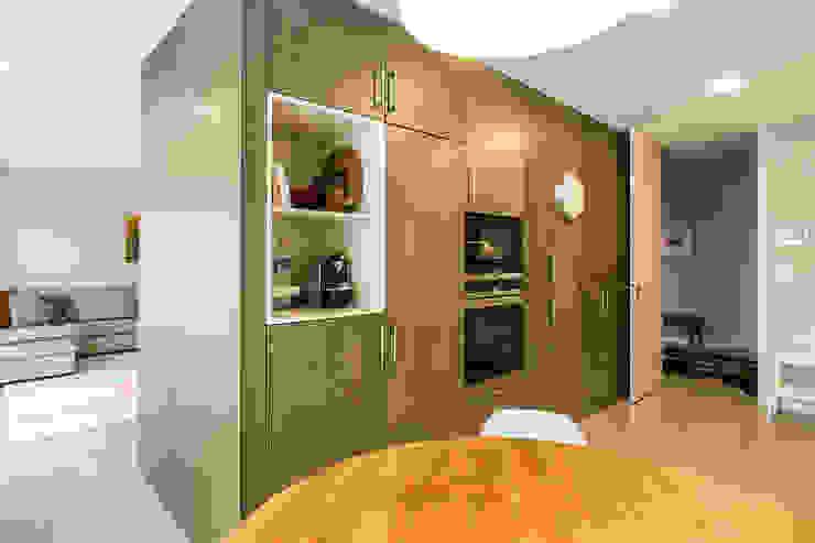 SHI Studio, Sheila Moura Azevedo Interior Design의  주방 설비