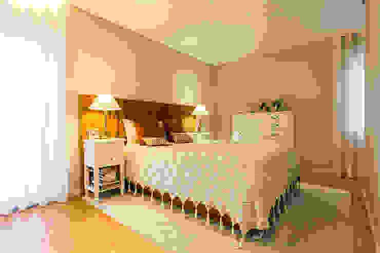 SHI Studio, Sheila Moura Azevedo Interior Design의  작은 침실