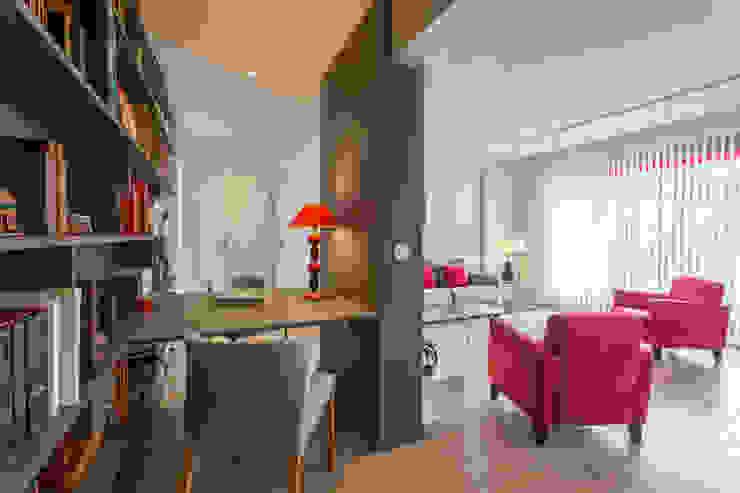 Modern style study/office by Fables de murs Modern Wood Wood effect