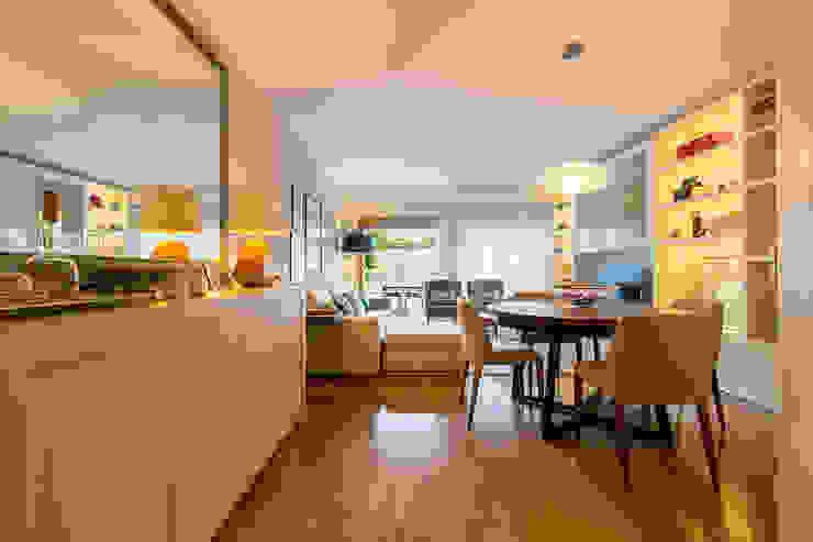 Гостиная в стиле модерн от SHI Studio, Sheila Moura Azevedo Interior Design Модерн