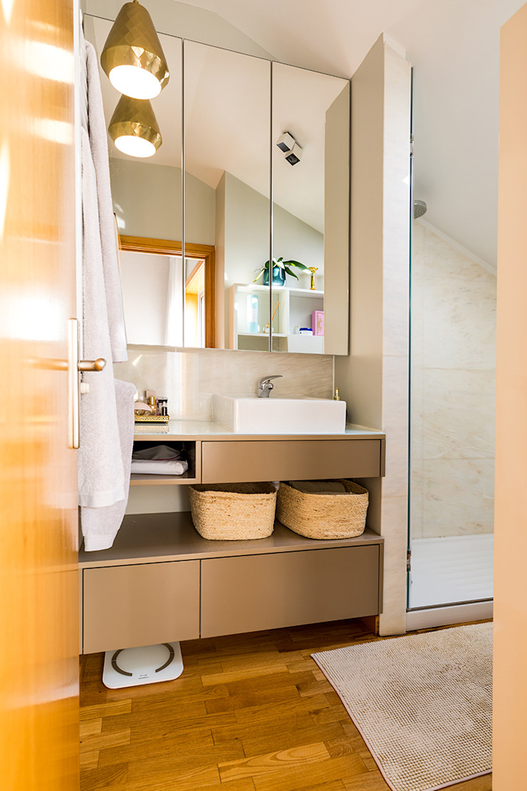 Modern bathroom by SHI Studio, Sheila Moura Azevedo Interior Design Modern