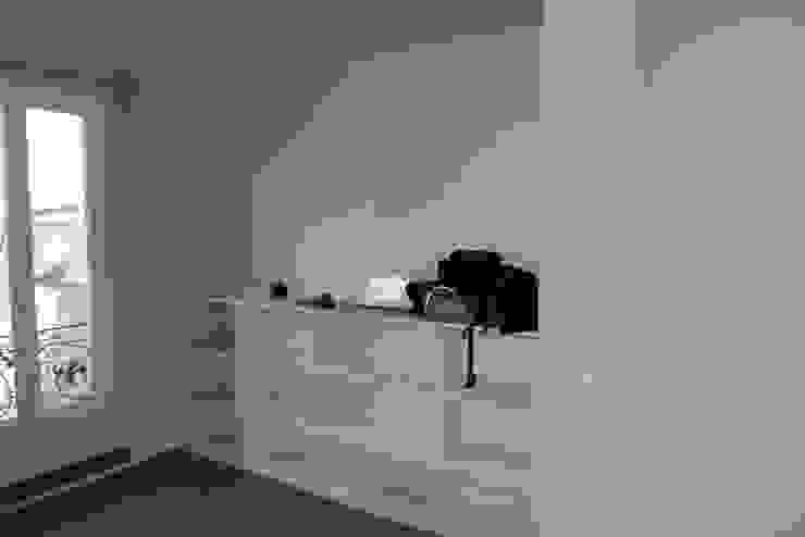 minimalist  by Fables de murs, Minimalist