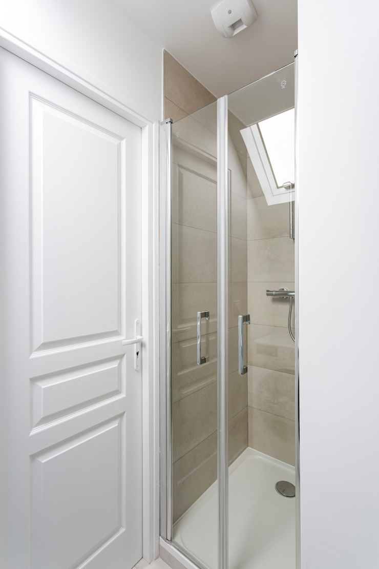 Banheiros minimalistas por Fables de murs Minimalista Cerâmica