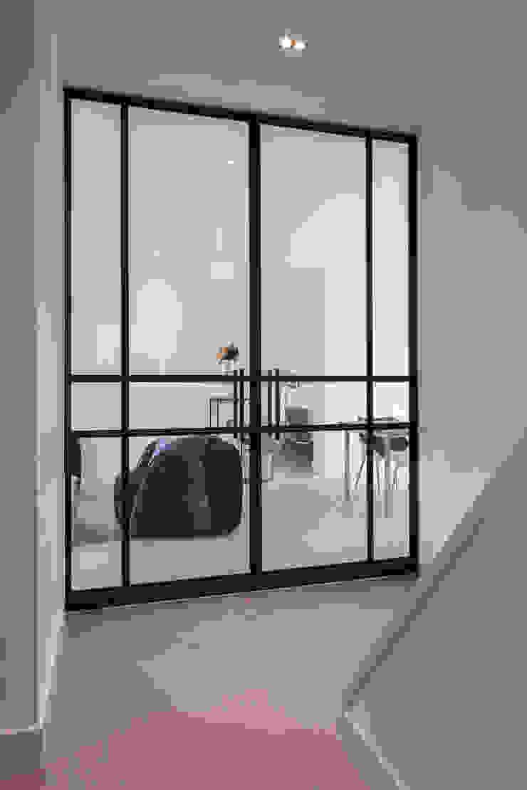 Bob Romijnders Architectuur + Interieur Вітальня
