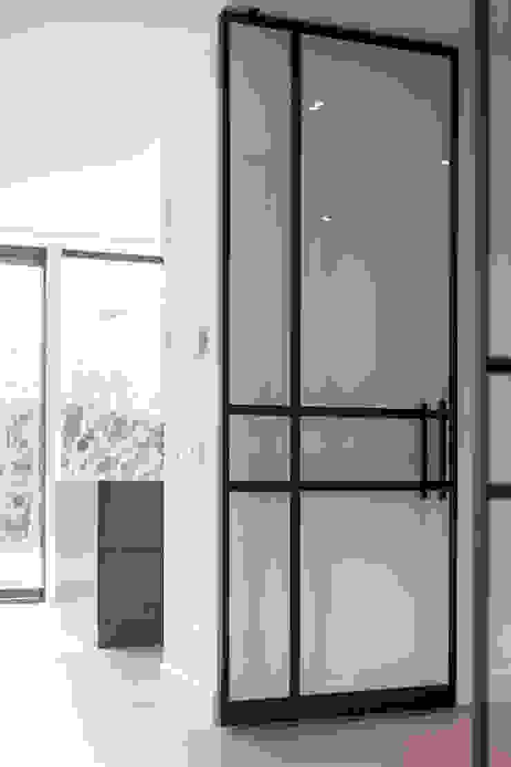 Bob Romijnders Architectuur + Interieur Коридор