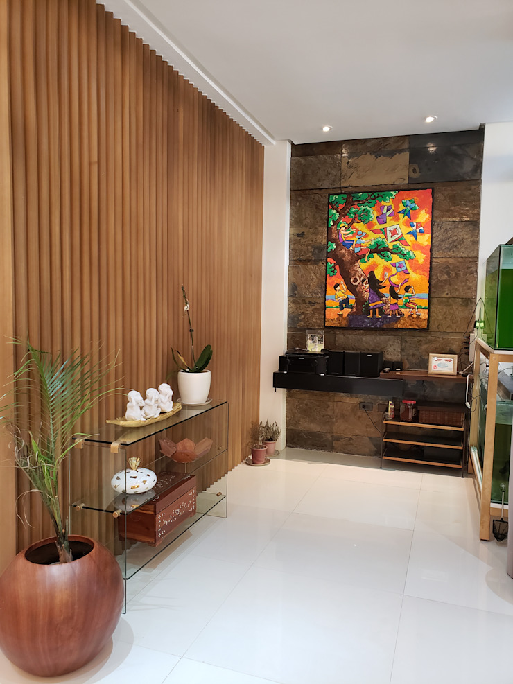 foyer entrance by Geraldine Oliva Tropical