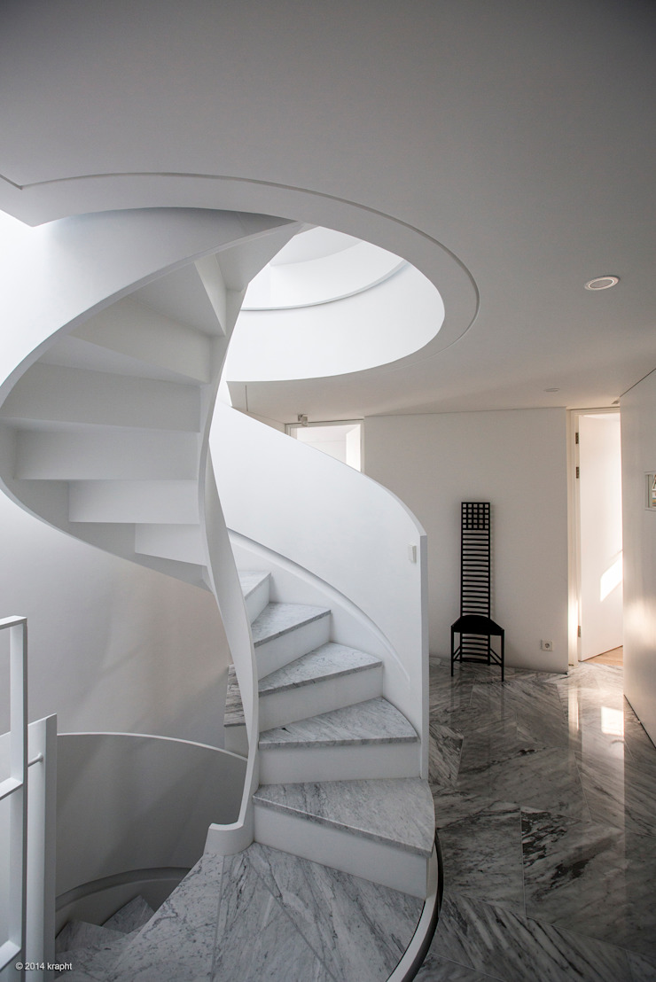 Modern Corridor, Hallway and Staircase by 건축연구소.유토 UTOlabs Modern Marble