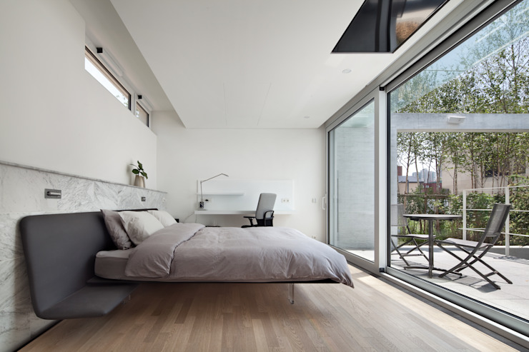 Modern Bedroom by 건축연구소.유토 UTOlabs Modern