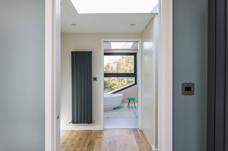 Loft Conversion with a Master Bedroom and a Bathroom Urbanist Architecture Modern Bathroom Multicolored