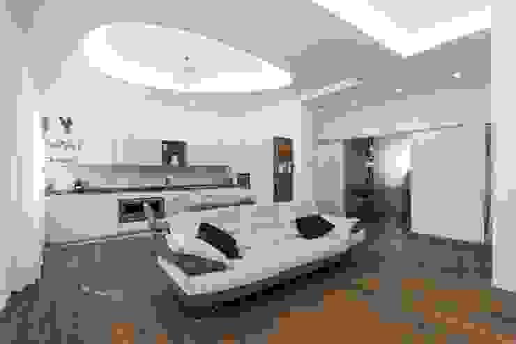 Modern living room by Orsolini Modern