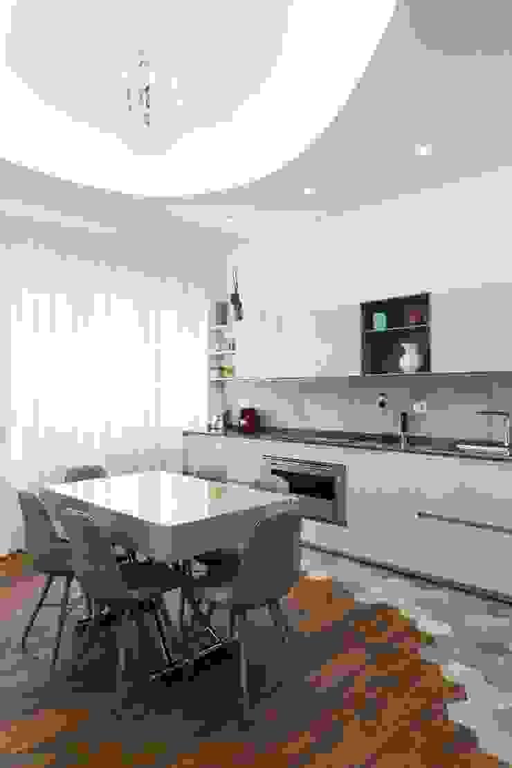 Pavimento cucina di Orsolini Moderno Legno Effetto legno