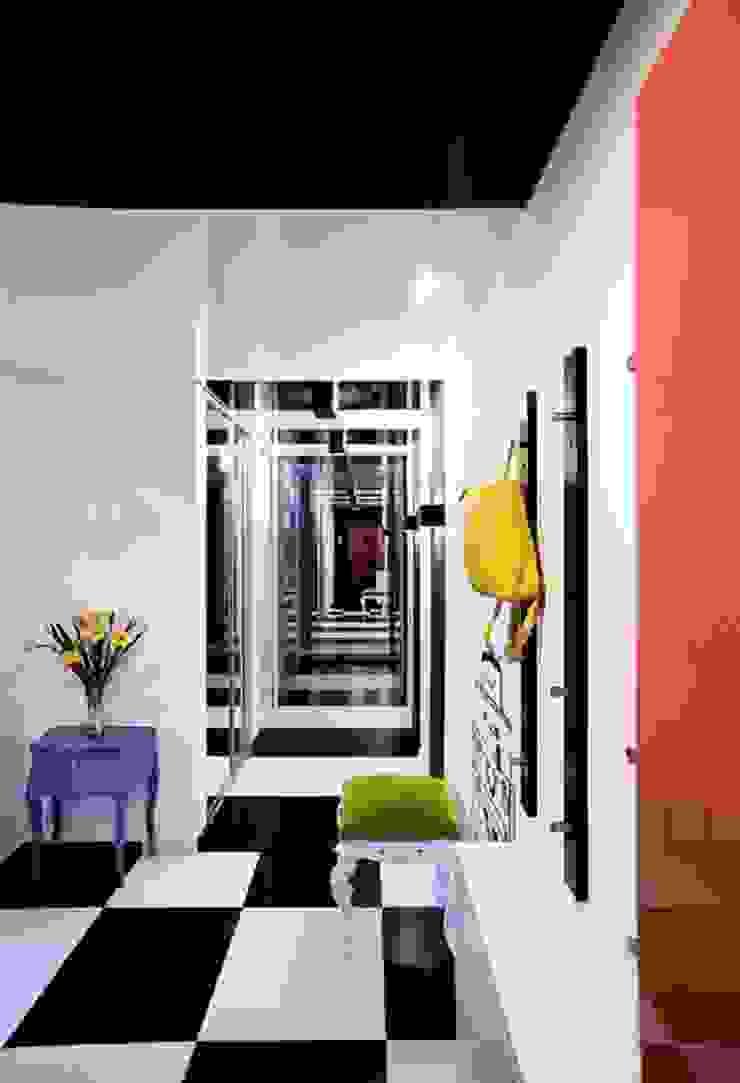Minimalist Koridor, Hol & Merdivenler Irina Yakushina Minimalist